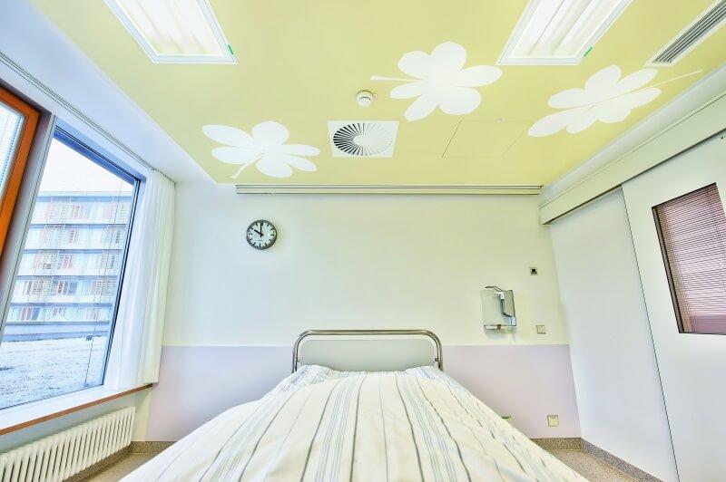 Healing-Architecture-Decke-Robert-Bosch-Krankenhaus-StuttgartfZpY7fJ5EjU64