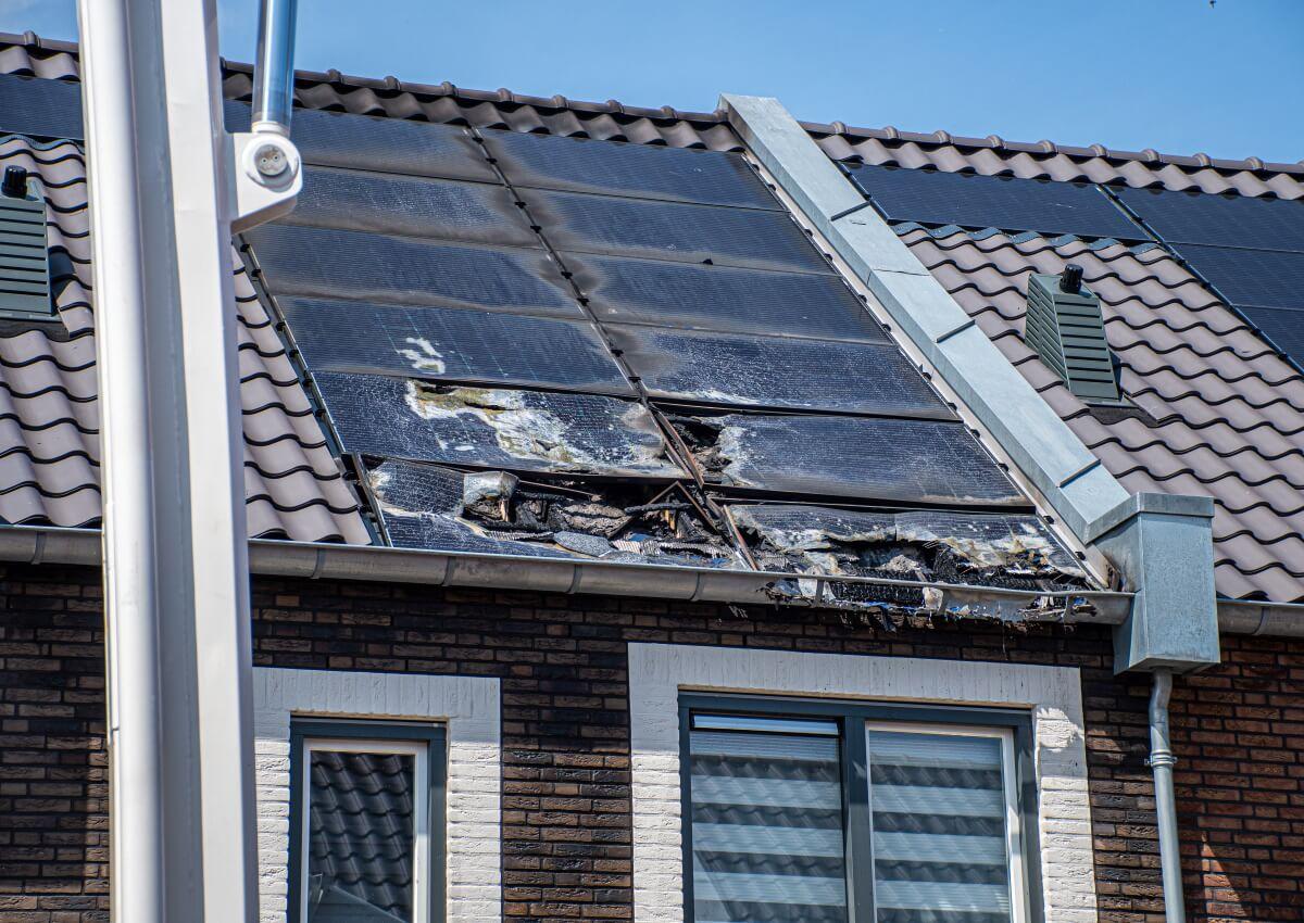 Photovoltaik-Brandgefahr-Normen-richtig-umsetzen-Forum-Verlag-Herkert-GmbH